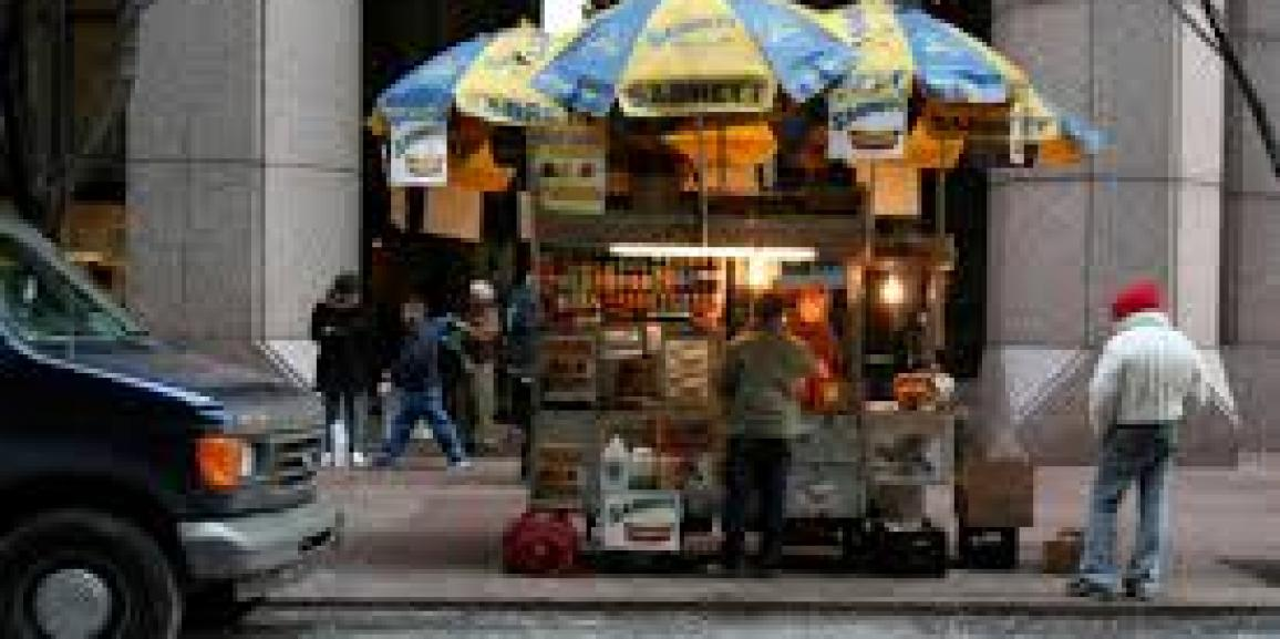 <!--:en-->L.A. Advances Rules for Street Vendors Selling Outside Law<!--:-->